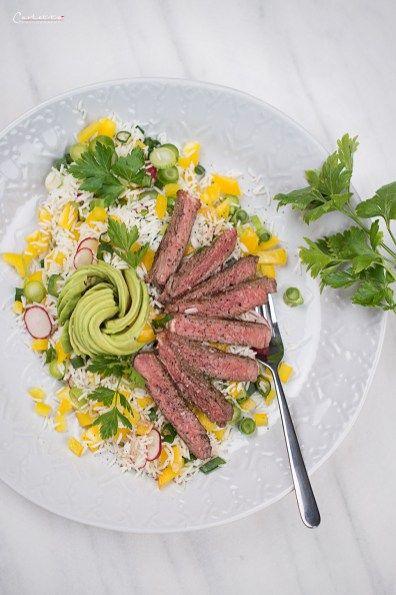Sommerlicher Reissalat mit Steakstreifen, Sommer, Sommersalat, Reissalat, Reis, Salat, Sommerrezept. Steak, Steakstreifen, Grillen, Grillrezept, BBQ