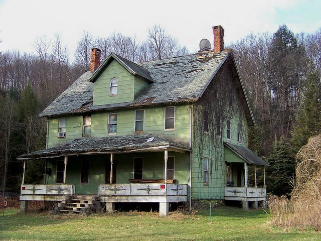 Old Farm House~ there is no sign it is haunted, just falling apart. WHICH in itself is heartbreaking