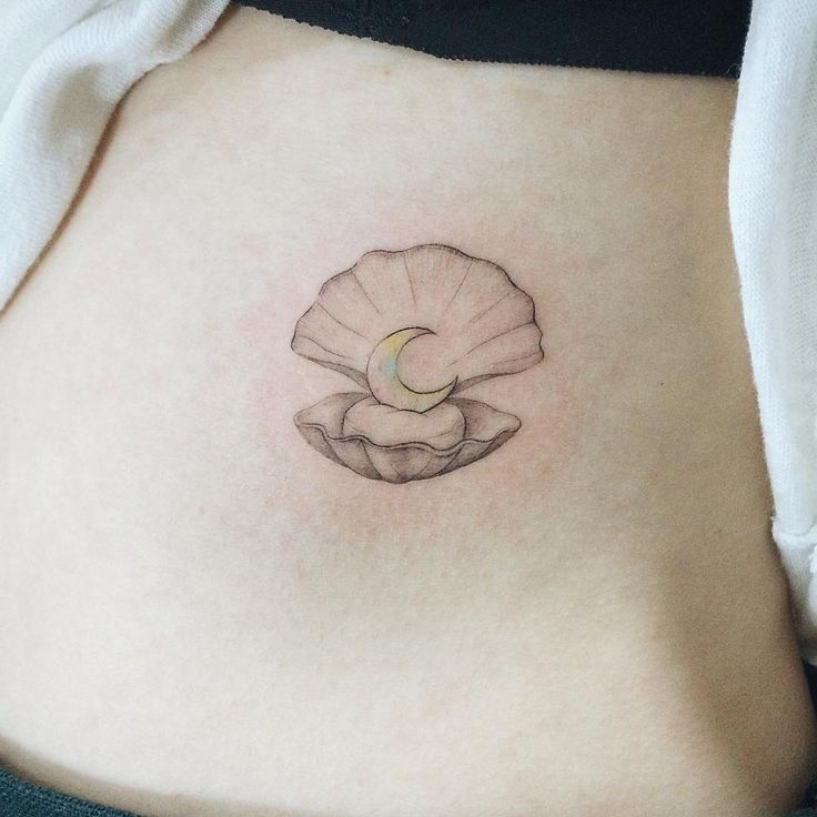 : Moon Shell #tattoo #tattooistdoy #tattooworkers #tattooistartmagazine #tattooinkspiration #skin_tattoos #inkstinctsubmission #inspirationTattoo #타투이스트도이 #타투