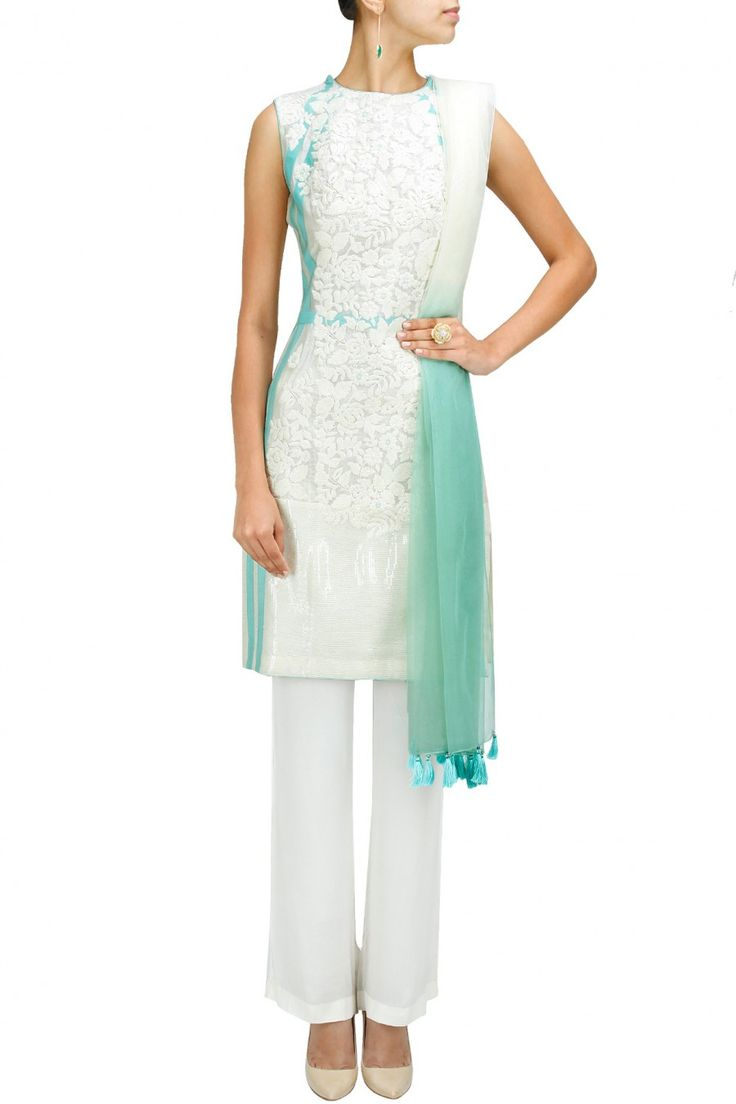 Ivory and turquoise applique work kurta set BY DIVA'NI. Shop now at: http://www.perniaspopupshop.com/ #perniaspopupshop #ivoryandturquoise #appliquework #kurtaset #embellishedborder #crepepants #labellove #designer #Diva'ni #bollywoodinspired #beautiful #elegant #graceful #attractive #aesthetic #fashion #chic #style #happyshopping
