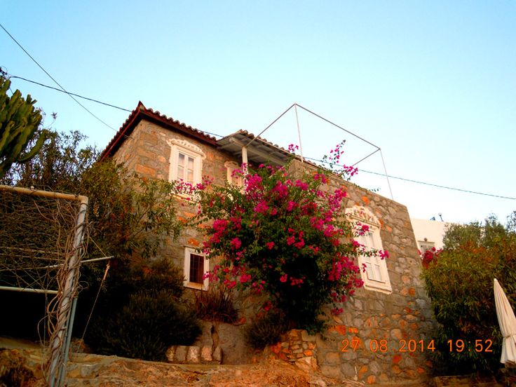 Property for sale in Hydra Town, Hydra, Greece. Feggari Maisonette is the ideal hideaway for a couple.