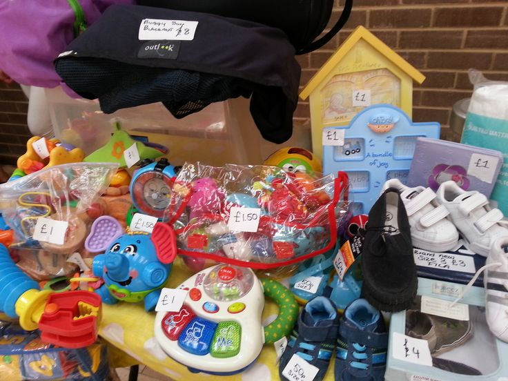 Picture: Nearly new toys and games at a mum2mum market sale