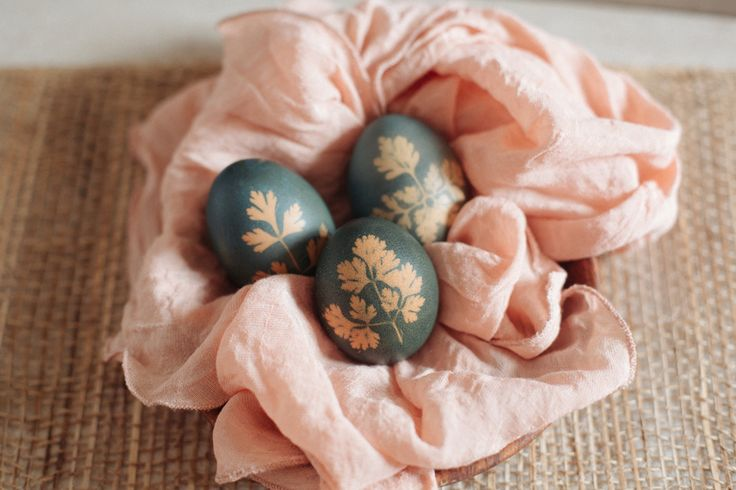 All Natural Easter Egg Dye with Botanical Prints - Wild Wagon Co Blog