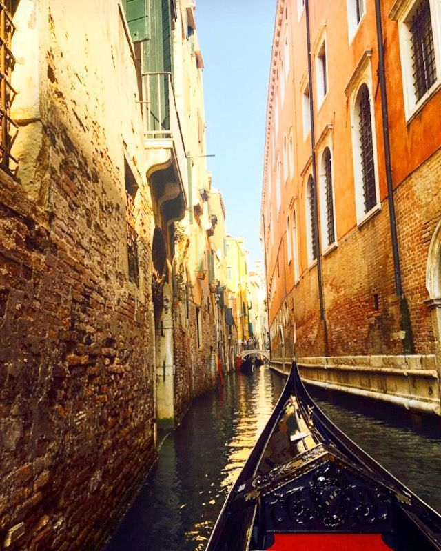 Venice astonishes more than it pleases at first sight ✨