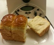 Super-Soft Custard Bread