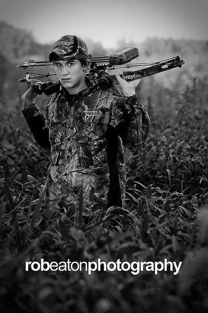 senior hunting pic | Pose ideas