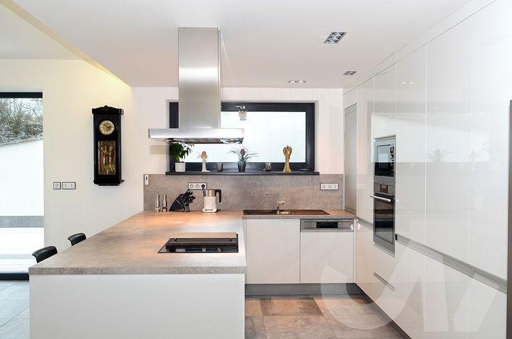 Hledáte inspiraci na nové bydlení? Na InHaus.cz najdete velké množství fotografií bydlení pro inspiraci. #bydlení #inspirace #kuchyne