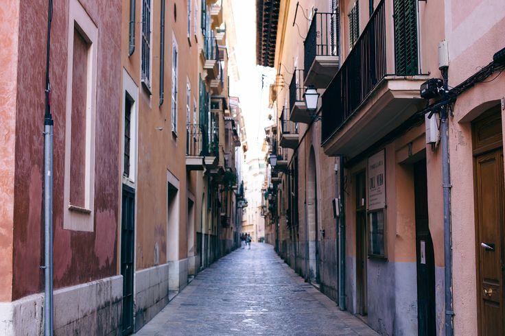 Day and Night Mallorca   Yin & Yang