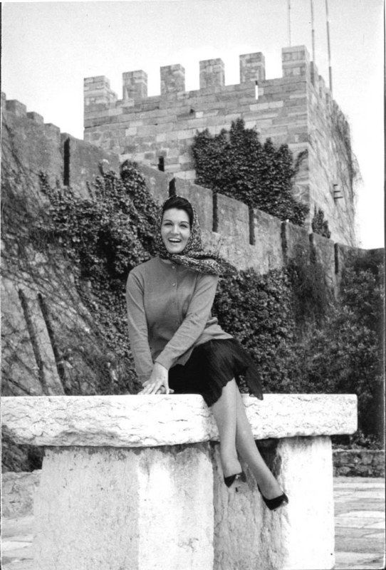 Fado singer Deolinda Rodrigues, Lisbon, Portugal