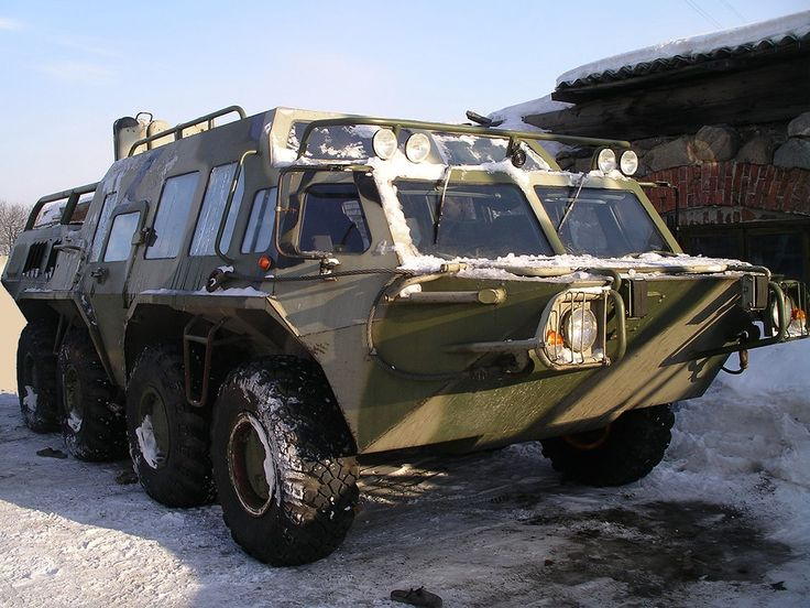 """Information on this has proven difficult to find, but it might be a 1986 or 1992-onward GAZ (Gorky Automobile Factory) 5903, also know as BTR-80 (bronyetransportyor, literally meaning """"armoured transporter"""") http://en.wikipedia.org/wiki/BTR-80 http://www.autonavigator.ru/guides/foto/GAZ/5903/none/SUV/1992-9999/FotoID-6031.html"""