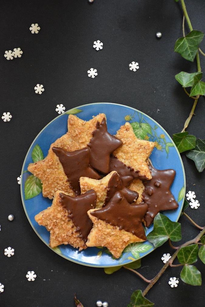 Talán nem ez a keksz, aminek 3 nappal karácsony előtt kell nekiállni: barnítani kell a vajat, külön megcsinálni a whiskys cukrot, a ...