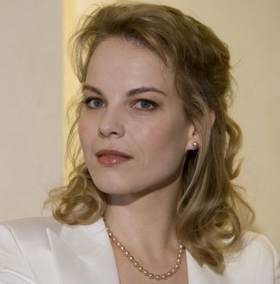 Elīna Garanča is a Latvian operatic lyric mezzo-soprano. With a musical family background, she began to study singing in her hometown of Riga in 1996 and continued her studies in Vienna and in the United States.
