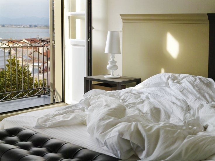 Romantic hotel in Nafplio  wake up !