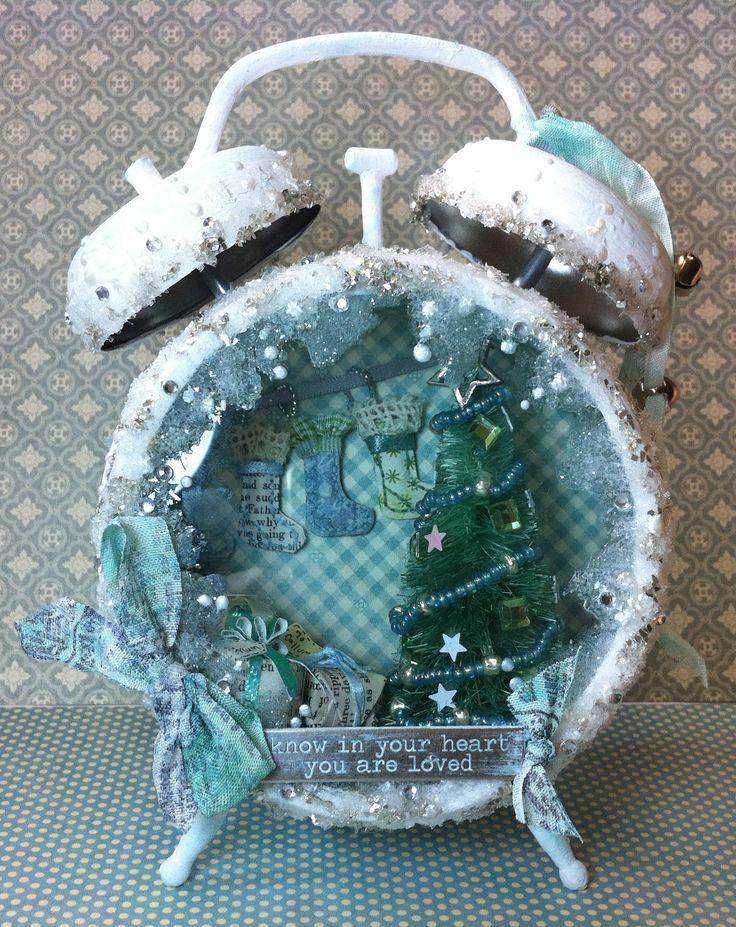 Christmas Assemblage Clock (+afspeellijst)