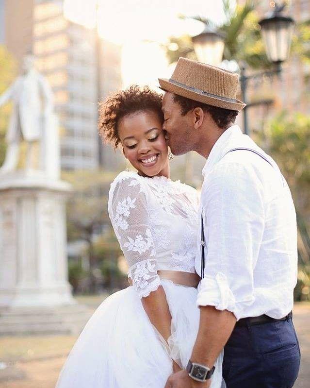 Um beijo de amor nessa noite de sexta-feira!  http://ift.tt/1V0CMn6  #noiva #bride #ceub #casaréumbarato #wedding #instawedding #casamento #buquê #flores #flower #buquêdenoiva #inspiração #instawedding #noivas #noiva #noiva2016 #noiva2017 #ido #instabride #picoftheday #bridesmaid #dreamwedding #bff #engaged #bridetobe #delícia #verão #carrinhodepicolé