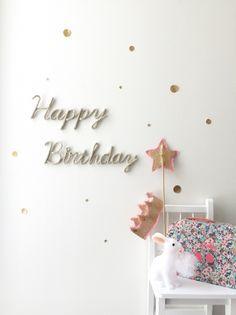 Happy Birthday wall letters - Petit Etoile petit-etoile.com Handmadeで wool letters を作ってます✩