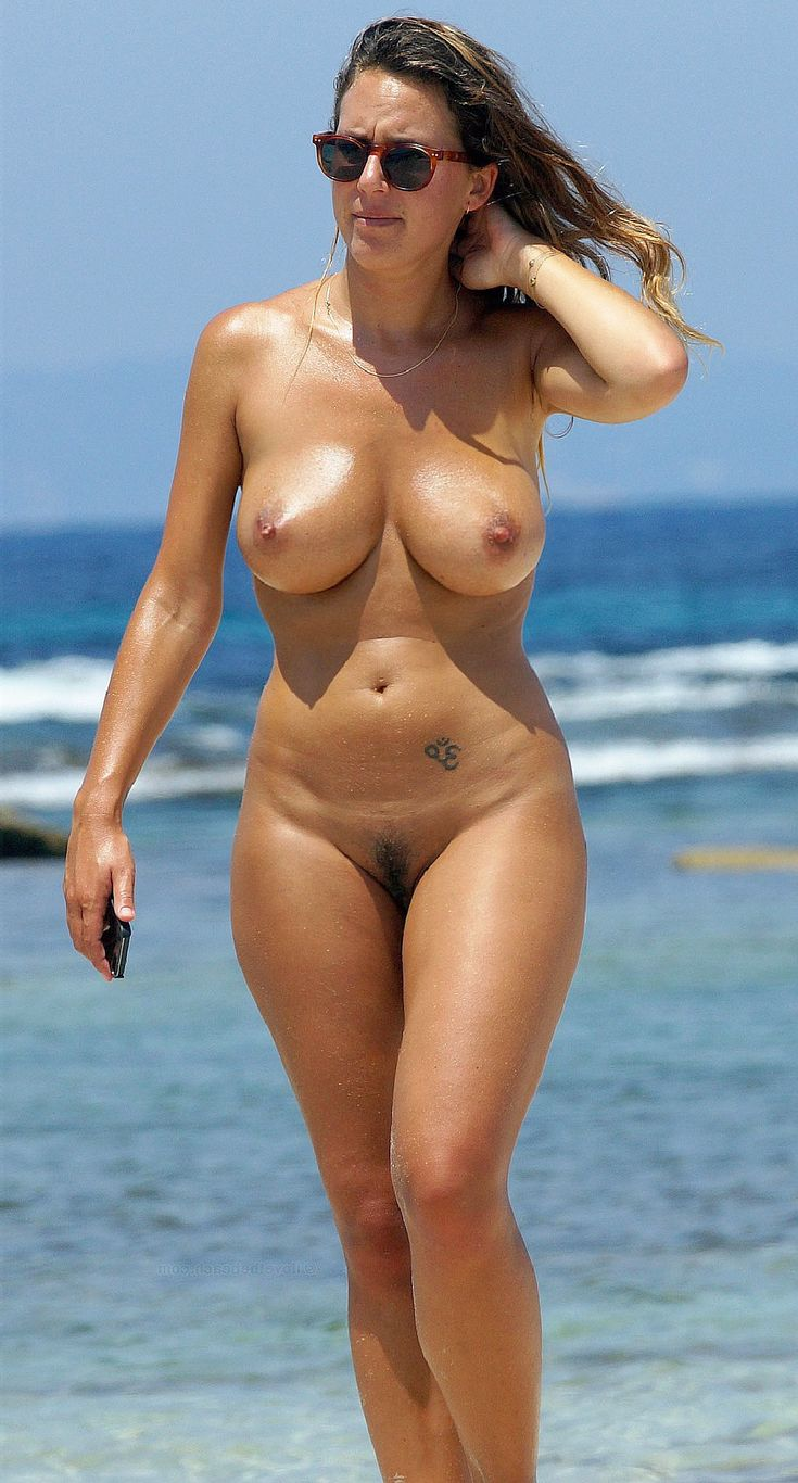 hot woman beach body naked