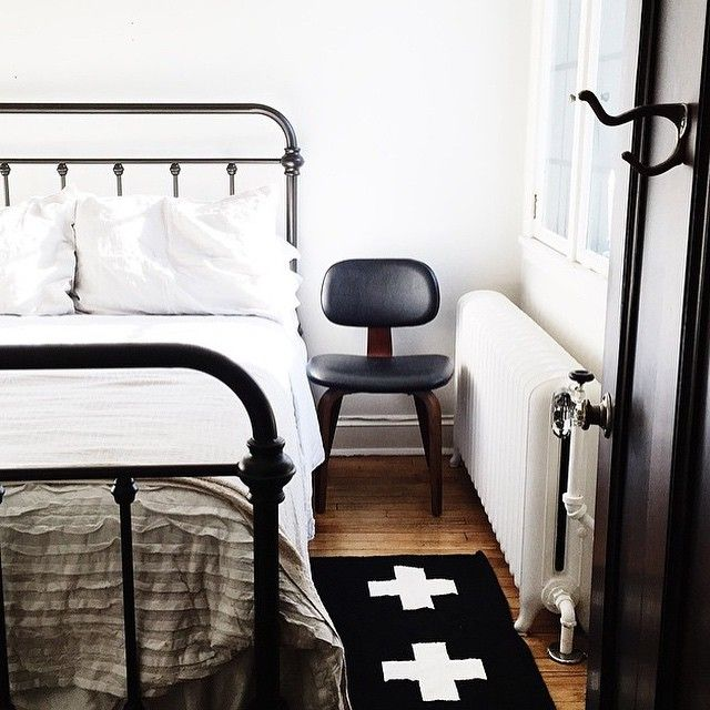 Dear @witanddelight_, we'd love to cozy up in your gorgeous guest bedroom anytime! Especially loving the iron bed you found #onOneKingsLane .