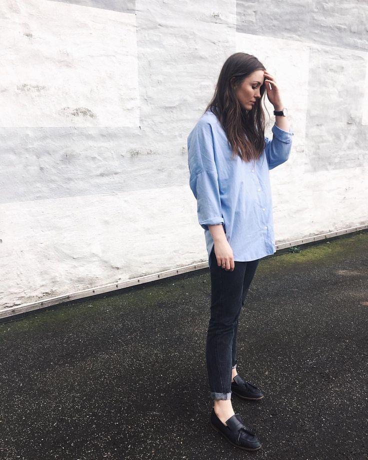 """55 likerklikk, 1 kommentarer – Mia Gardum (@miagardum) på Instagram: """"Løse jeans, løs skjorte og flade sko = glad Mia """""""