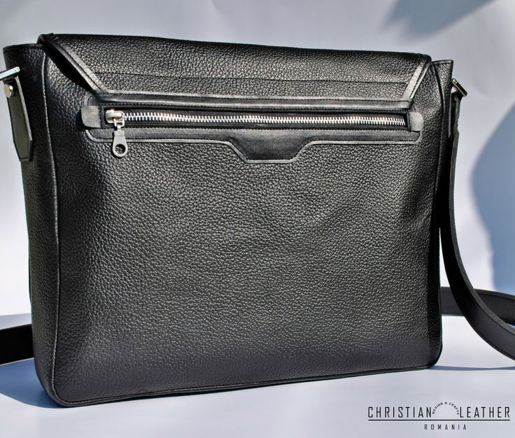 Men's Black City Bag, messeneger bag designed by Christian Leather. Get yours now!  Geanta barbateasca din piele.
