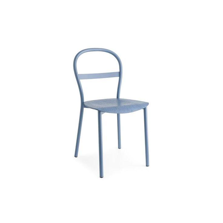 Sedia da cucina Connubia Calligaris Nova CB/1666 - Adatta per essere utilizzata nei bar e in cucine giovani. Si caratterizza da diverse rifiniture tra cui: il grigio opaco, bianco ottico opaco, acciaio satinato, sky blue opaco, senape opaco, tortora opaco e nocciola opaco. La seduta in legno multistrato è disponibile in diverse finiture. Le dimensioni della sedia Connubia Calligaris sono: 41,50 cm x 47 cm, con l'altezza totale di 83,50 cm ed un'altezza seduta di 46 cm.