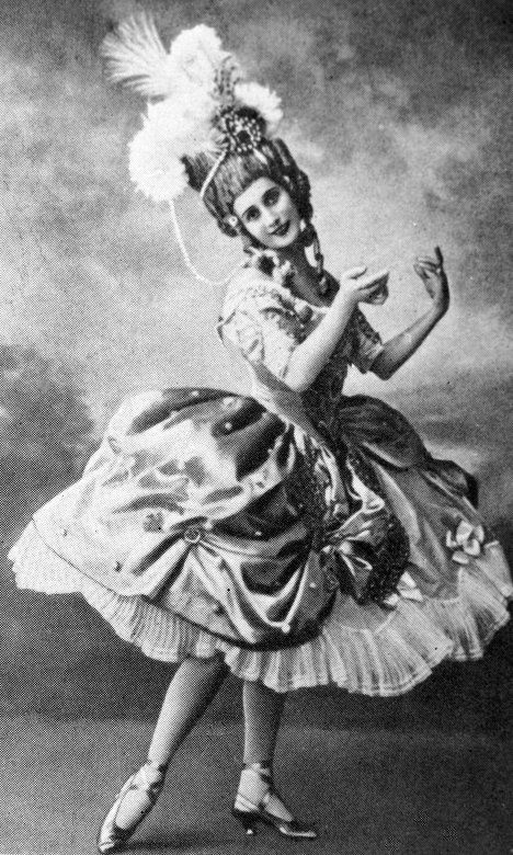 The experience sparked Pavlova's passion for ballet. Eight-year-old Anna was so moved by the performance of Sleeping Beauty, that she was desperate to dance like Princess Aurora. Years after Pavlova had the chance to perform that role. Photo: Anna Pavlova as Princess Aurora in Sleeping Beauty.