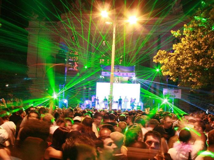Streetparade Zurich. Lasershow.