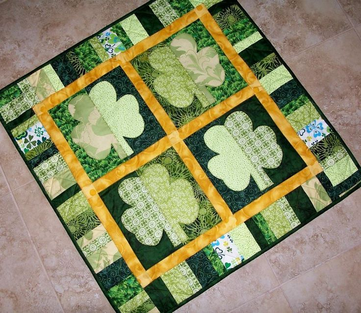 ~ Shamrocks St. Patrick's Day Quilt: Quilts Patterns, Applique Quilts, Wall Hanging, Quilt Patterns, Quilts Blocks, St. Patrick'S Day, Quilts Ideas, Shamrock St., Quilts Projects