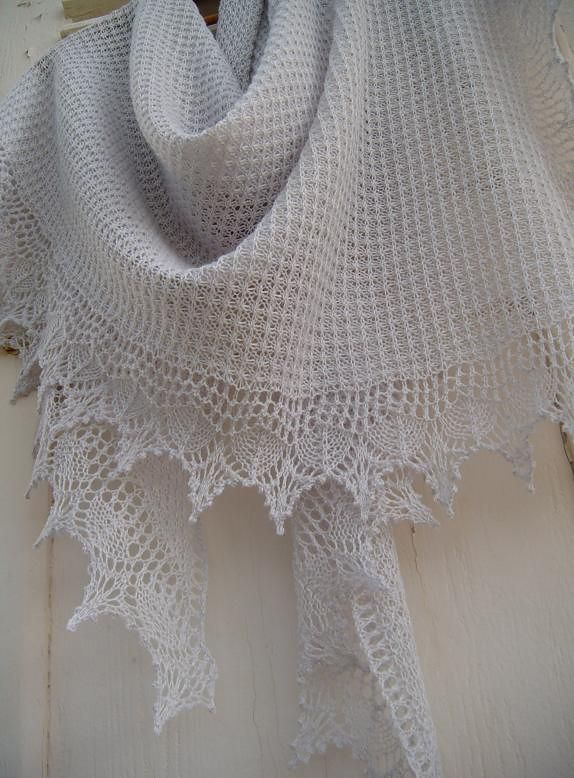 1000+ ideas about Knitted Shawls on Pinterest Shawl Patterns, Shawl and Kni...