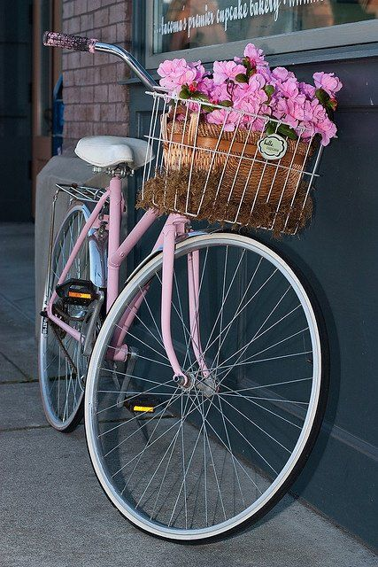 Girlie fun! a pink bike can't go wrong with that!