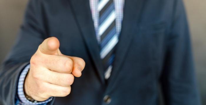 Zaměstnanci, kteří mají přátelský vztah se svým šéfem, vydělávají víc