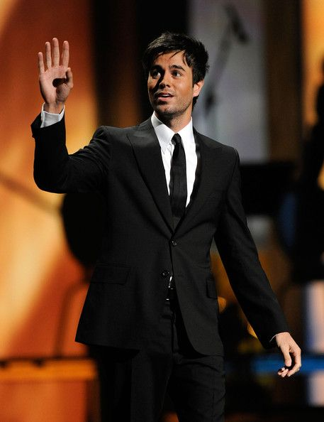 Enrique Iglesias Photos - The 10th Annual Latin GRAMMY Awards - Backstage And Audience - Zimbio