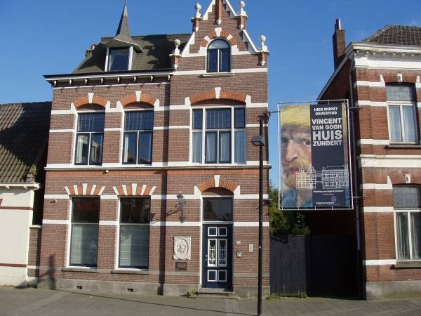 a biography of vincent van gogh born in zundert netherlands Vincent van gogh (1853-1890), born in the province of brabant, is one of the most famous artists who ever existed if you wish to admire van gogh's works, you really must visit the van gogh museum in amsterdam but there are other special places that you really should visit if you are a van gogh.