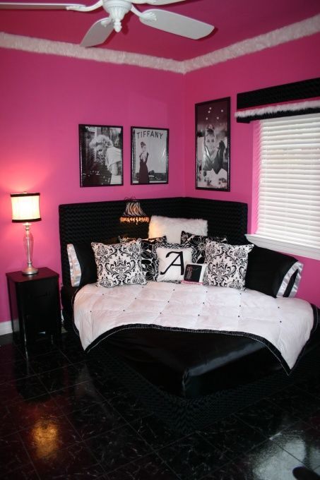Well idea for dorm but w walls painted can work better - Pink and white teenage room ...
