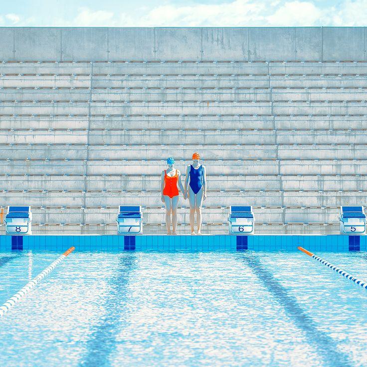 Tribune foto proyecto de Maria Svarbova. #arte #fotografia ensayo fotografico. #azul