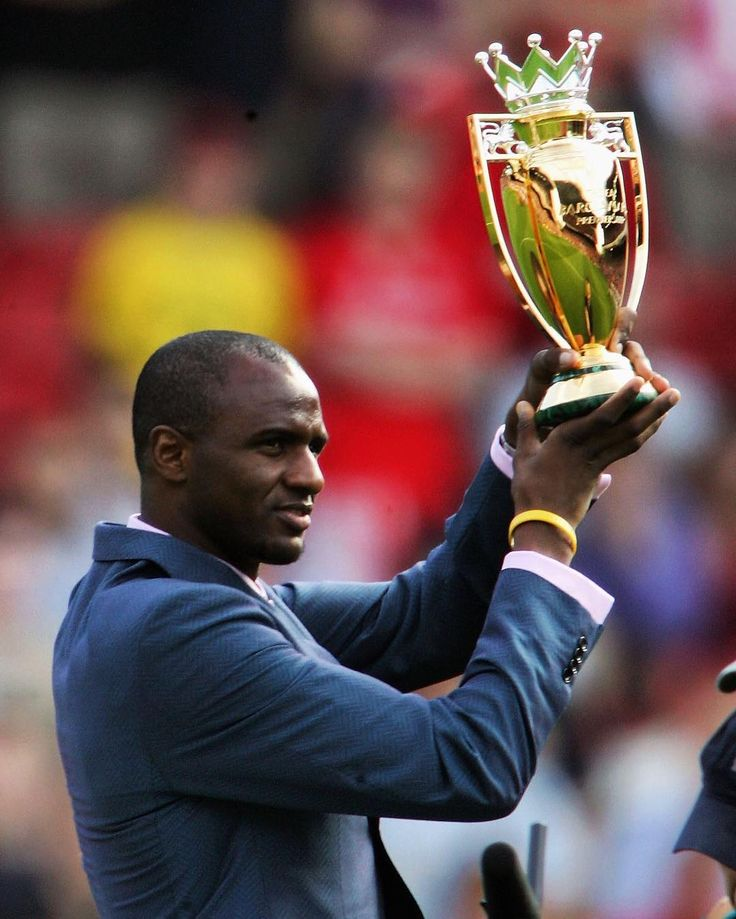 Patrick Vieira with the Invincibles trophy