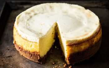 Susan's Famous Lemon Cheesecake