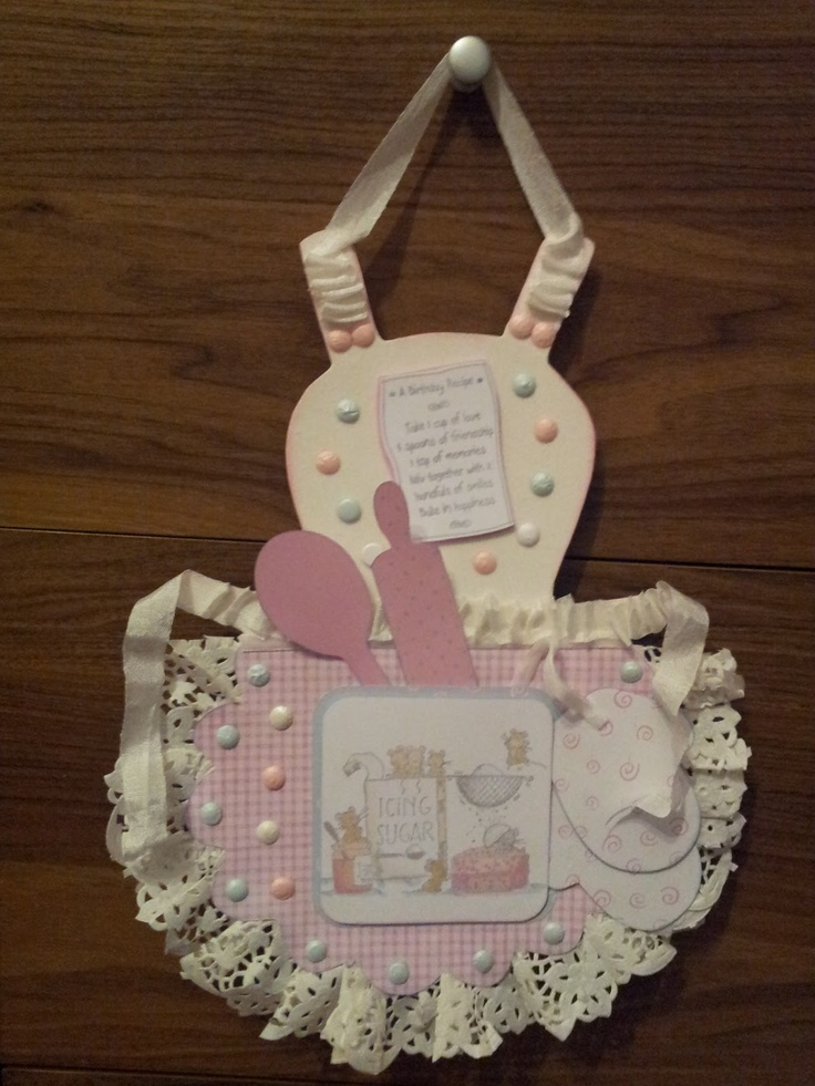 Crafty Calamities. . .:  'Kiss The Cook'  ~  What a fabulous tag!!  Love the lace trim.