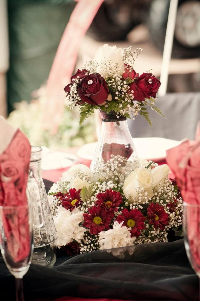 #wedding #country #love #décor #event #wedding #table #decor #red #black #roses www.jades.co.za/