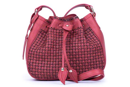 PIKOLINOS HANDBAG 502 - SANDIA: This #Pikolinos handbag in pink is made with the same high quality that goes into their shoes.