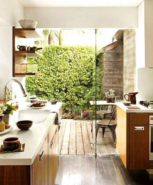cocina con vista al patio