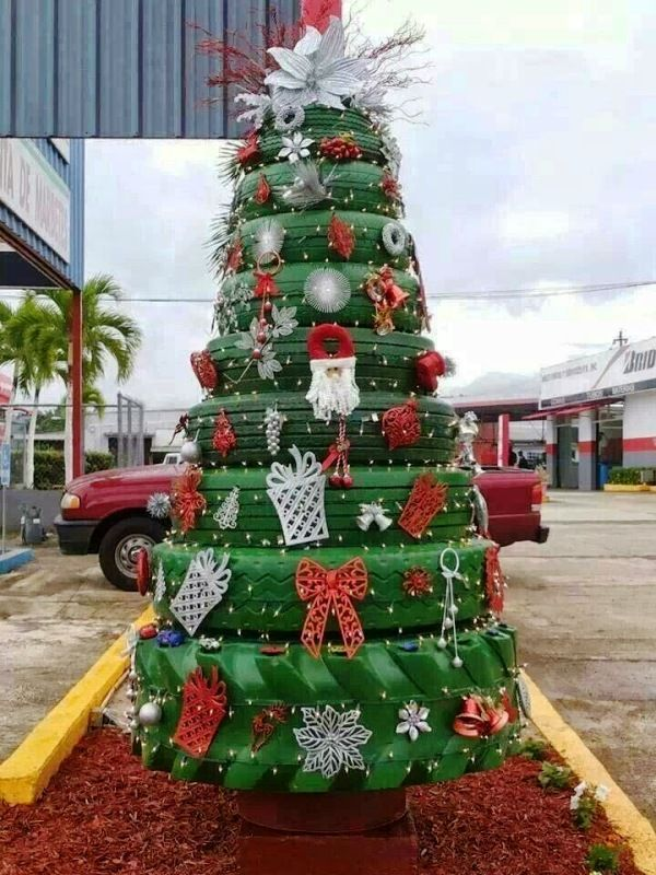35 Unique Christmas Tree Decorations