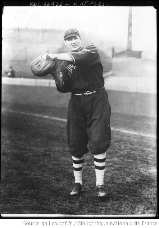 Catcher (celui qui attrape) [joueur de base-ball] : [photographie de presse] / [Agence Rol] - 1