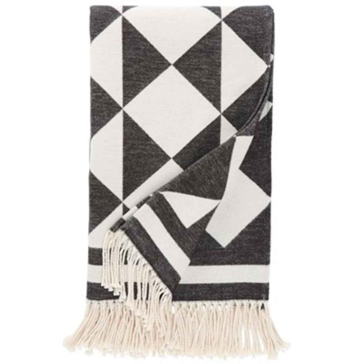 5 Cozy Throws To Keep You Warm This Fall - Clementine Daily