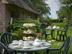 www.hoestinkhof.nl in markelo leuke high tea arrangementen ook voor kids