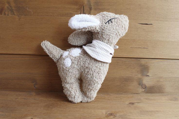 Nähanleitung für ein kleines Reh, Schnittmuster für Kuscheltier / how to sew a dear, cuddly toy pattern made by Waldgefährten via DaWanda.com