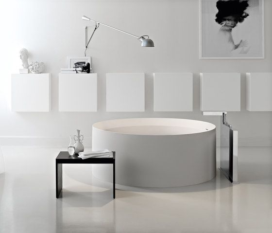 Free-standing baths | Baths | Concerto collection | Toscoquattro | Claudio Nardi. Round bathtub!!! #bathroom