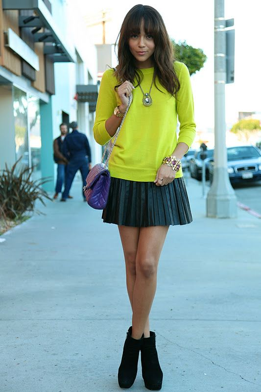 ring my bell twist (Skirt: c/o Storets. Jumper: J.Crew. Boots: Dolce Vita. Bag: Chanel. Watch: Michael Kors)