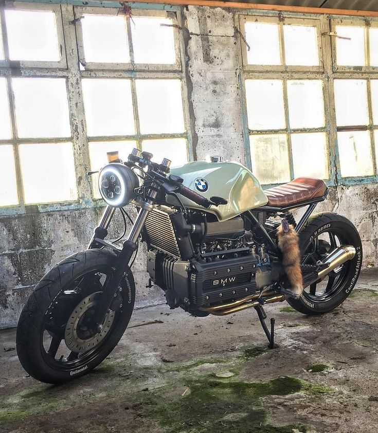 "3,240 Likes, 10 Comments - Cafe Racers and Life (@epidemic_motors) on Instagram: ""The Box ❤️  @stefan_leitner seen by @vagabund_moto #StartYourEngines