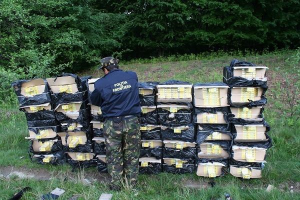 Peste 18.000 mii pachete de tigari depistate de politisti